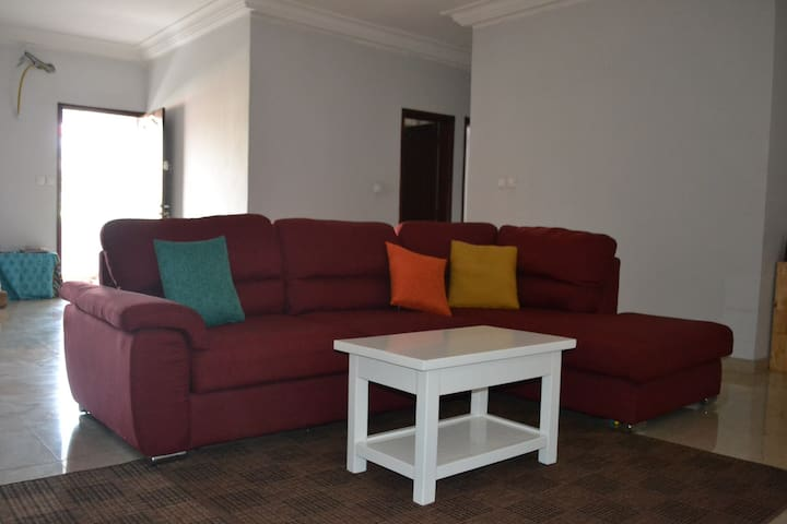 Modern and central with balcony & private bathroom - Abidjan - Apartemen