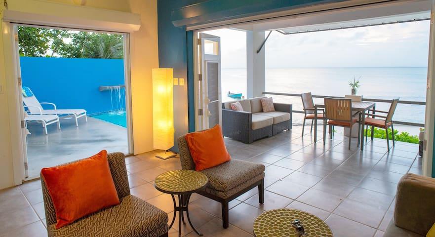 ISOLA-Beach. Pool. Views. Urban. Simple. Paradise!