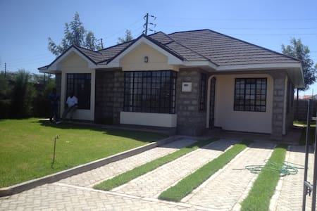 3 bed Holiday Home to let in Kitengela Town, Kenya - 奈洛比 - 平房