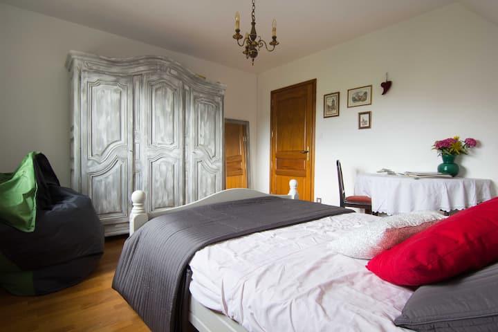 Chambre au calme dans maison proche Colmar