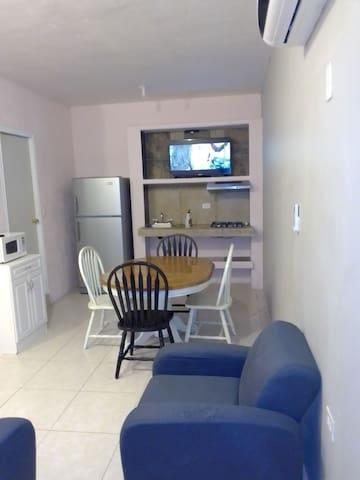 116 Departamento Planta Alta cómodo y muy privado.
