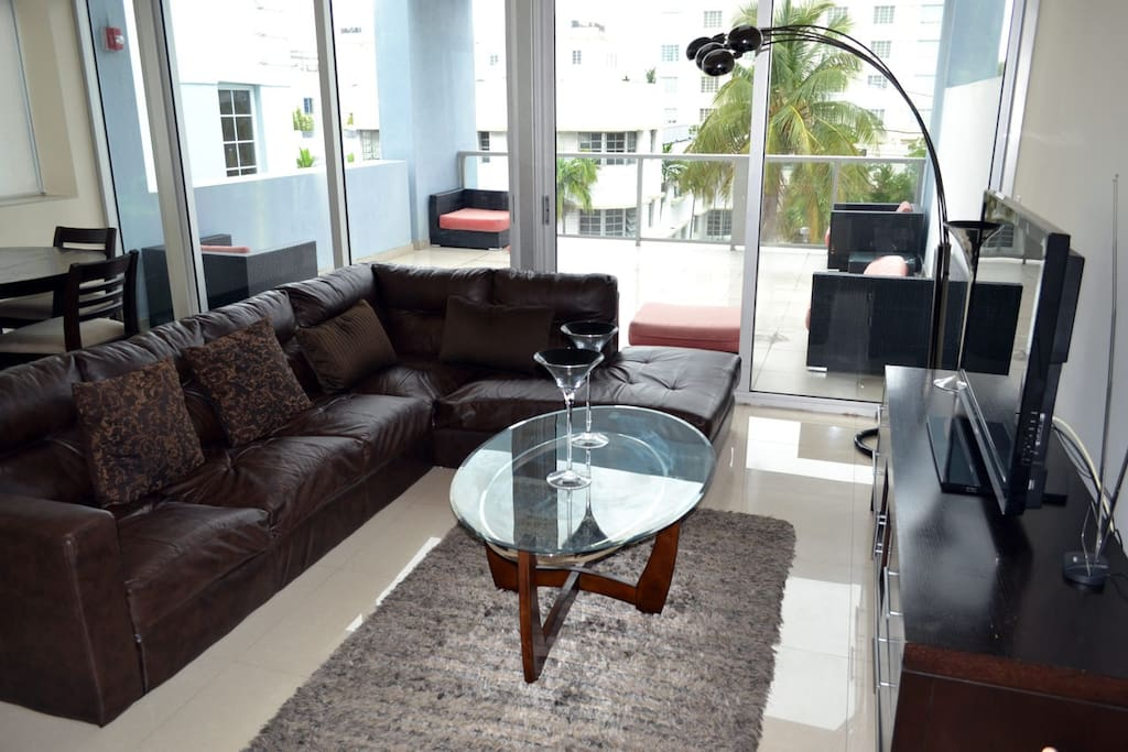 Great living room space with balcony