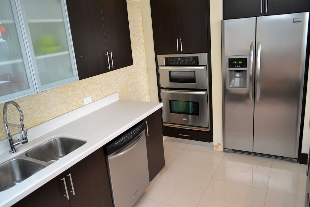 Full equipped kitchen. Even with a separate wine fridge.