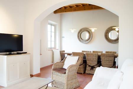 villa padronale stile toscano  - Pistoia