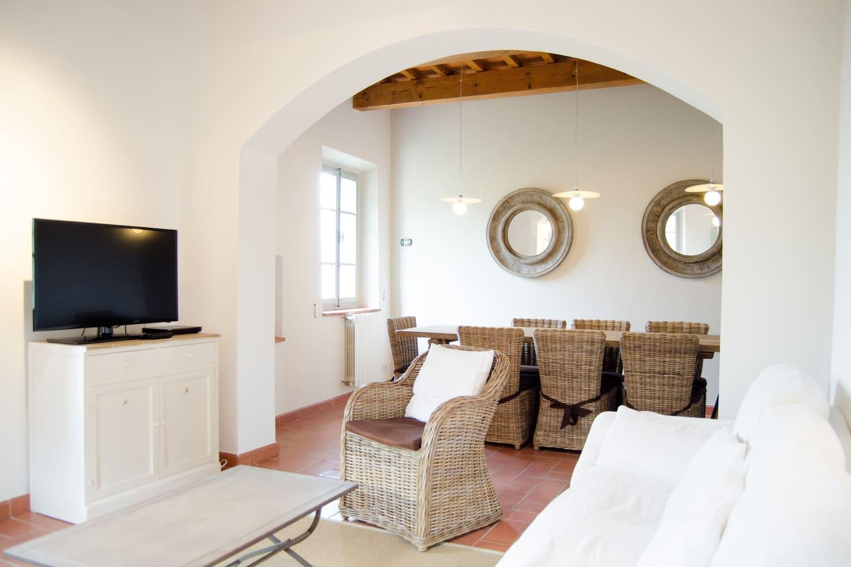 Camino Aperto Su Tre Lati villa padronale stile toscano - houses for rent in pistoia
