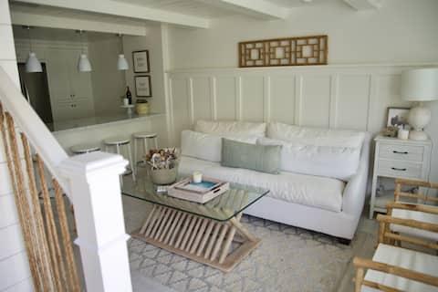 Exquisite Carpinteria Beach Cottage
