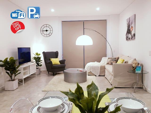 全新时尚公寓位于华人大区Epping/近火车站/1站达伊士活/2站达麦考瑞/4站达车士活/直达CBD