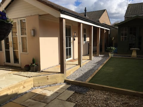Beautiful Self-Contained Annexe in Cheltenham