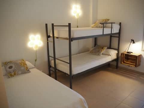 Acogedora habitación en Hostel  EJEA