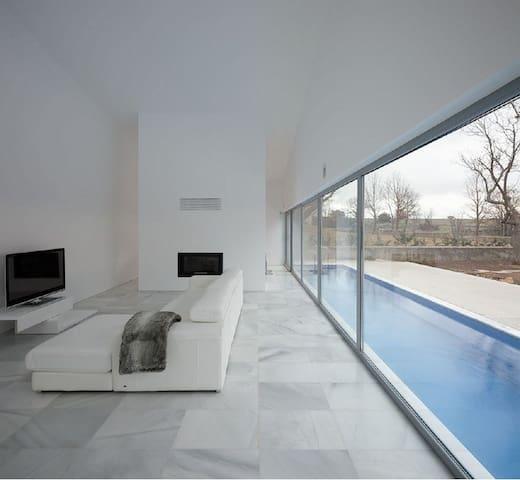 Chalet singular de diseño exclusivo en Madrid. - Las Rozas - Pis