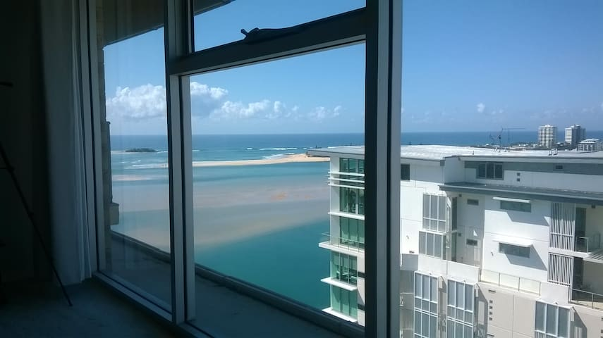 Views, views and more views - Maroochydore - Apartamento