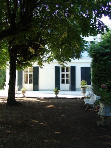 Independent Garden room in Manor - Bièvres - วิลล่า