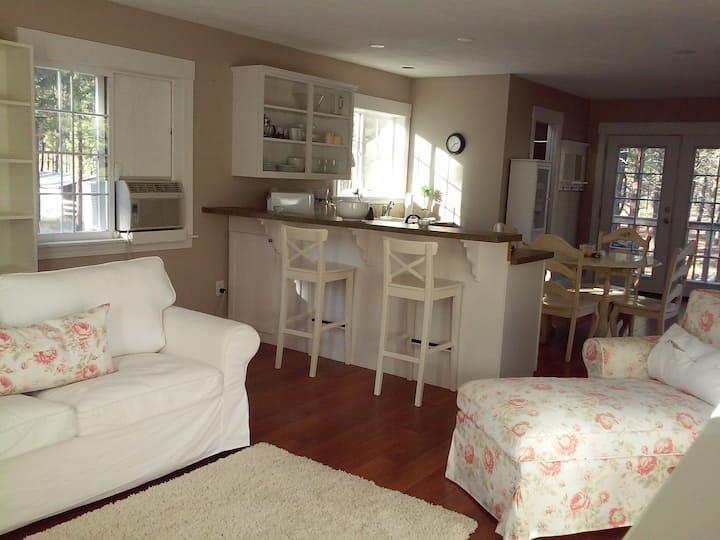 Quiet Farmhouse Studio Apartment In State Park