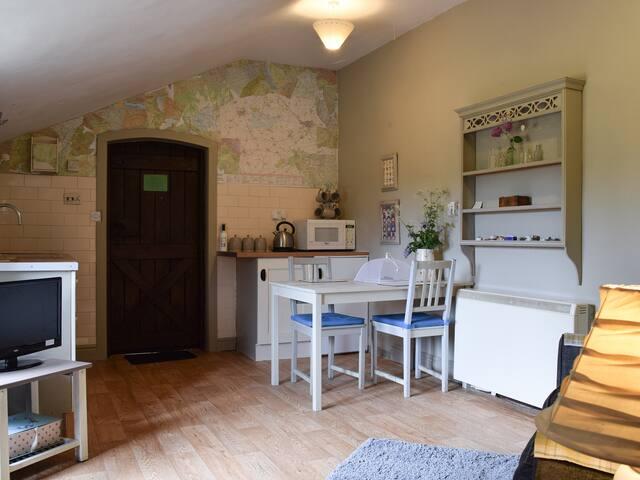 Mushroom Cottage (23202)