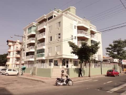 Aconchecante apartamento 50 metros da praia