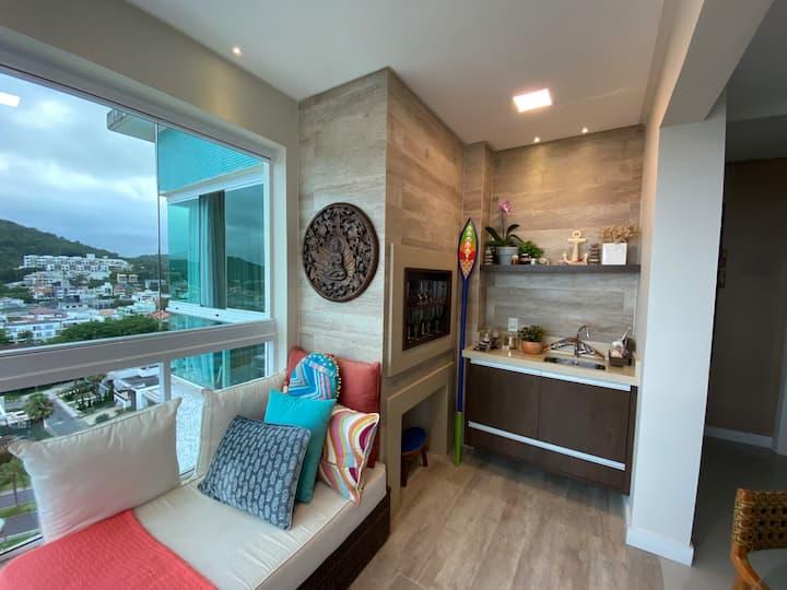 Apartamento Bali Style c/ vista mar na Praia Brava