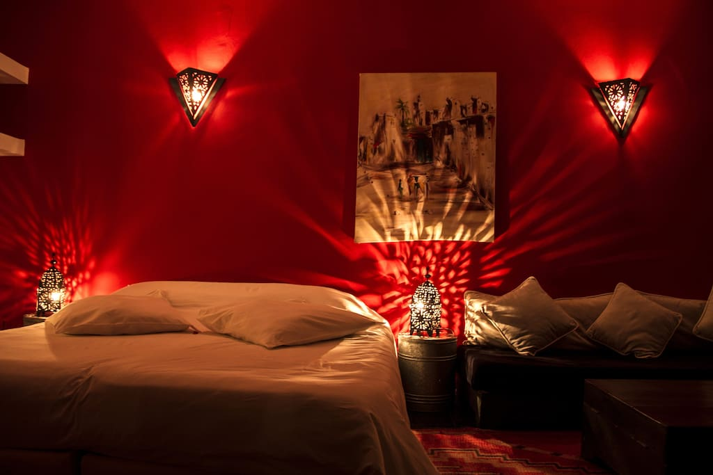 Riad Thalge in Medina - Red Room