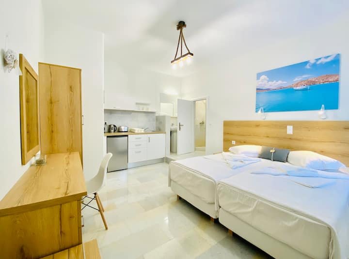 Heart of Paros Apartments - Kaiki Studio