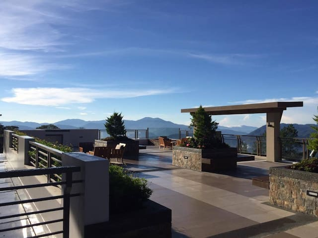 2BRCondo, great mountain view,'old Baguio' feel