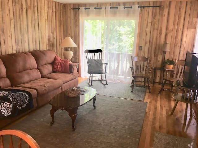 Hunter Mtn. 2 Bedrooms 2 Baths, Condo with  Sauna.