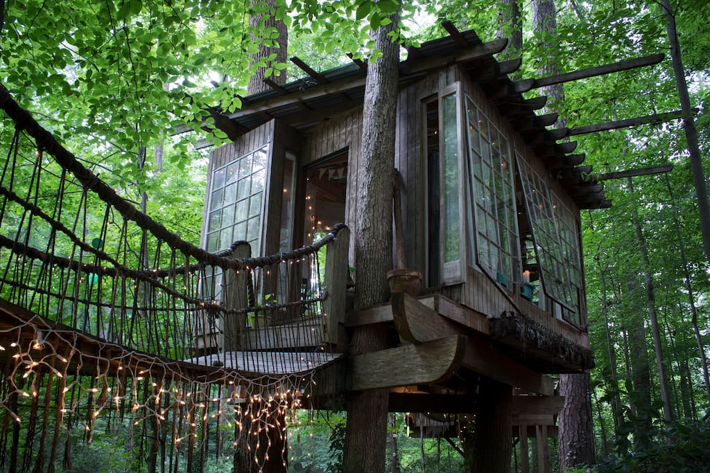 Treehouse Rental in Georgia on AirBnB