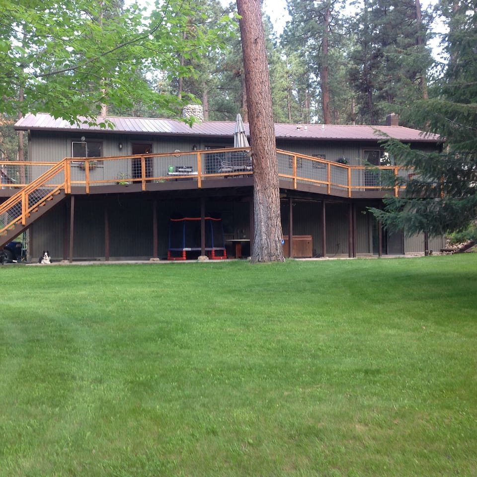 We have a big back yard with wild life and a large deck.