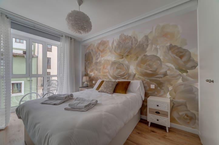 Dormitorio 1 - cama 150 cm con balcón cubierto - armario empotrado
