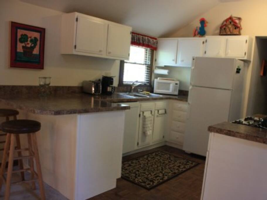 Full Kitchen to enjoy a home cooked meal or take out