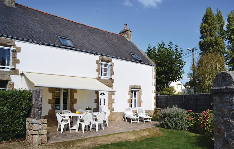 Holiday cottage with 3 bedrooms on 85m² in Carnac