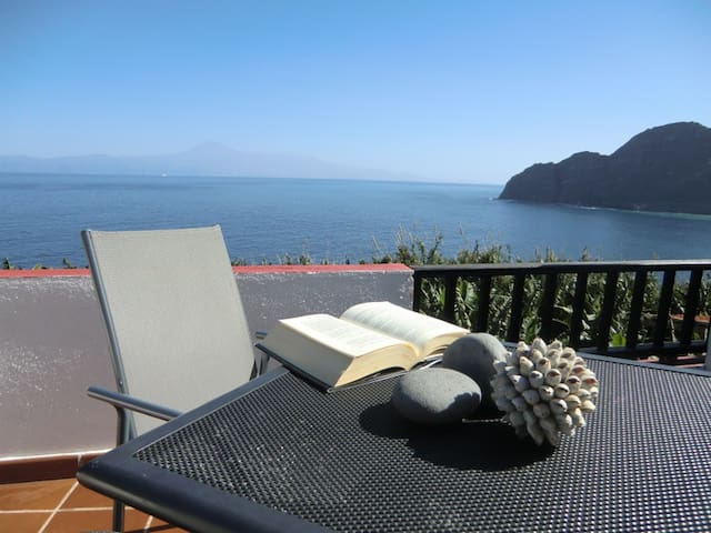 Romantic terrace with ocean views - Agulo, Santa Cruz de Tenerife, España - Rumah bandar