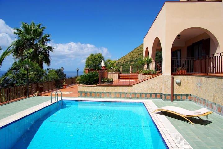 A Luxury Villa in Cilento-Pisciotta - Pisciotta - Villa