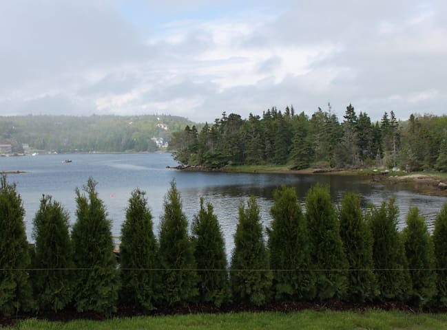 Beautiful ocean front property - Prospect Bay