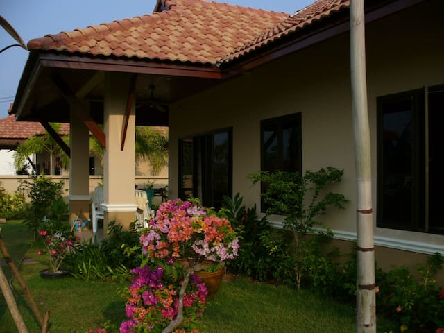 private villa near pristine beach - Takua Pa  - Rumah