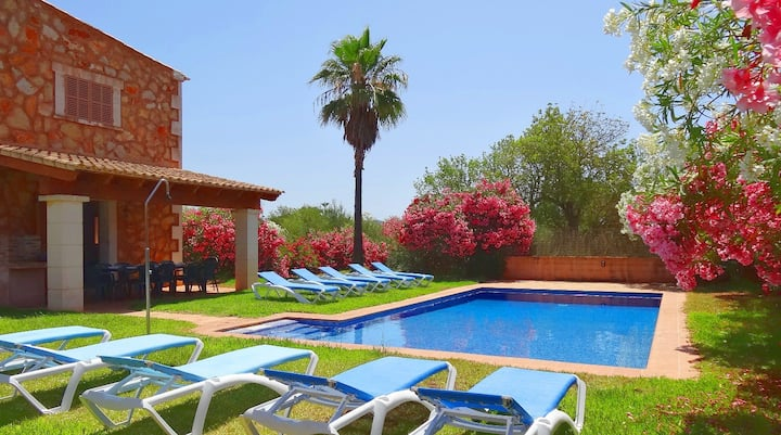 Beautiful Majorcan Country House Son Mas with Private Pool & Free Wi-Fi; Pets Allowed