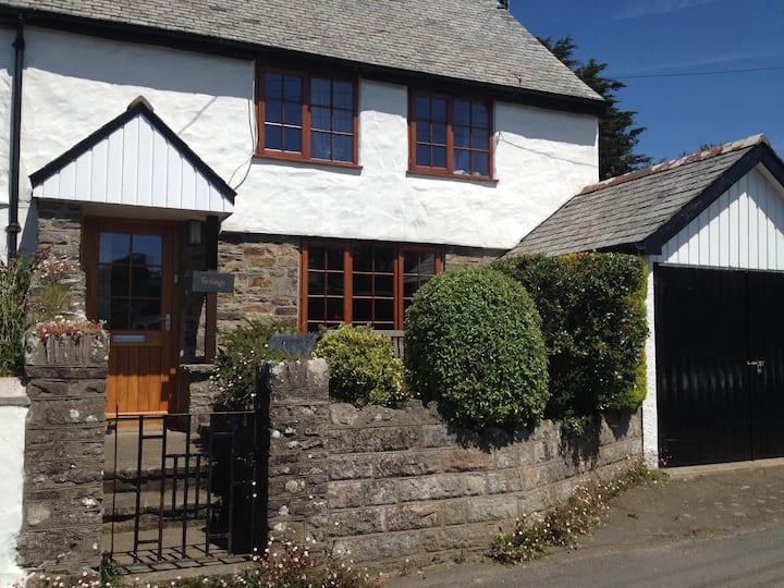 Devon Cottage with large garden in Georgeham