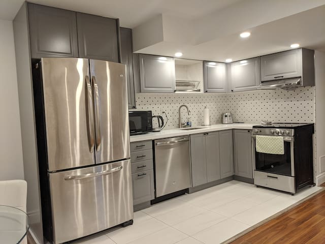 Beautiful Renovated Furnished Basement Yonge&Finch
