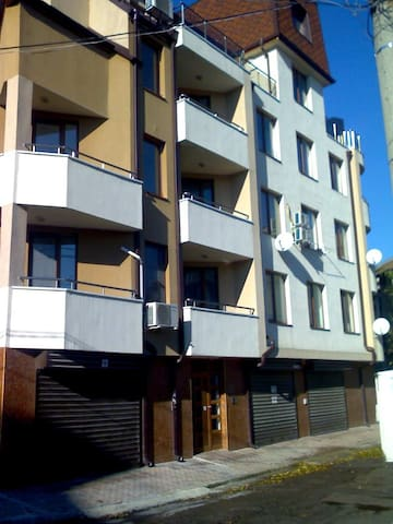 Asparuhov Guest Rooms - Varna - Apartment