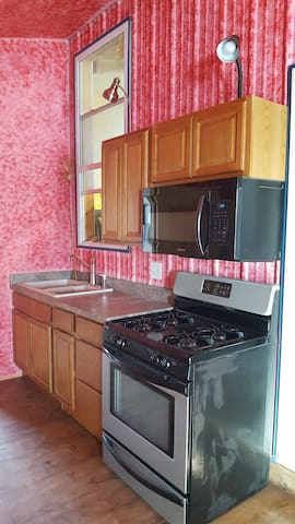 Gas Stove and microwave above