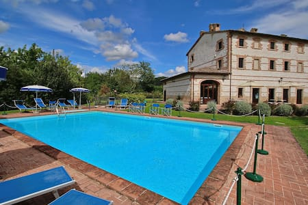 Cottage in Urbania with Swimming Pool, Terrace and Garden