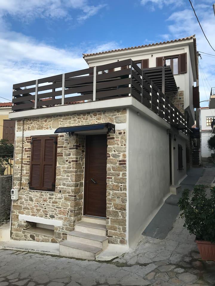SAMOS MARIA'S STONE HOUSE 1