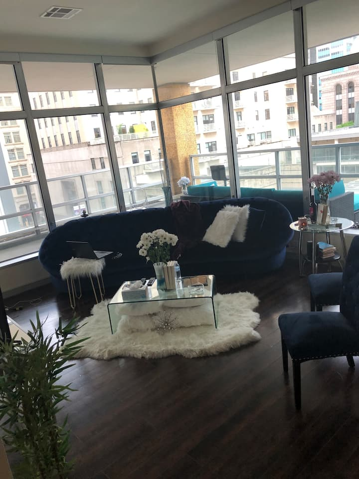 Upscale Apartment Downtown Dallas  near AA Center