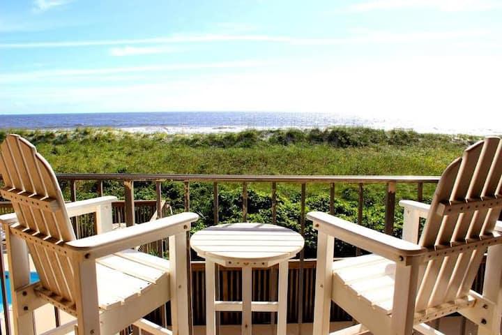 CABANA DE MAR # 128 - Oceanfront in Heart of Carolina Beach, steps away from Carolina Beach Boardwalk