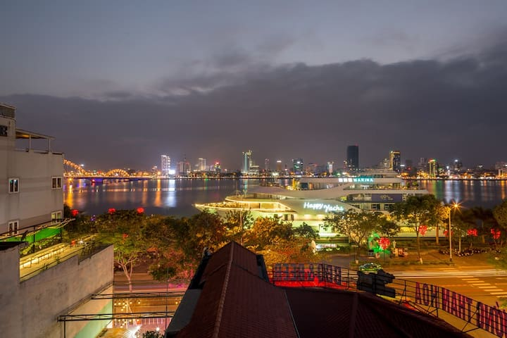 ✮ Marina Penthouse Apartment ✮ Near Dragon Bridge
