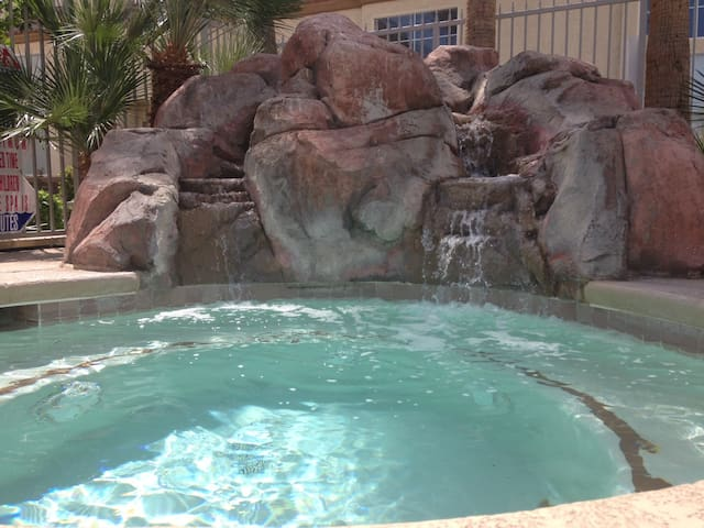 Three Bedroom Red Rock Getaway! - Las Vegas - House