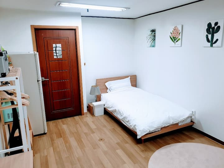 Js #3 - Sinnonhyeon stn 3 min/Massage device 마사지기계