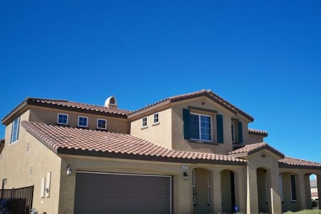 Sublet luxury home house rental houses for rent in for Luxury houses in california