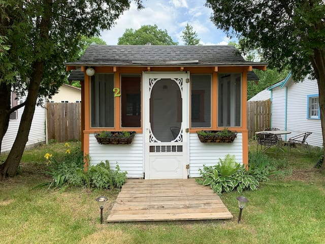 Sand Castles Cottages #2 Tiny House 1 Mile Lake MI