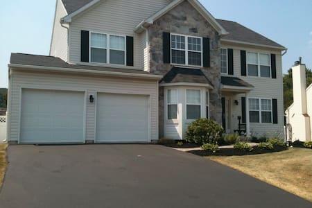 4 bedroom single home in Pottstown, - Pottstown - Rumah