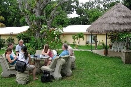 Your Home Away From Home - Diriamba - Bed & Breakfast
