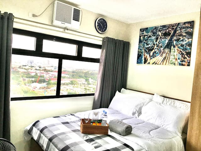 Modern Cozy Condo with Stunning Panoramic Views